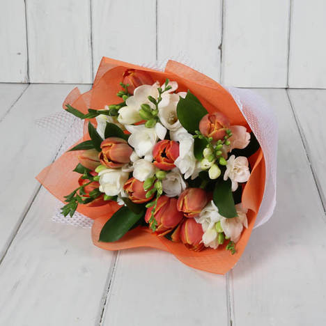 SEASONAL TULIPS & FREESIA